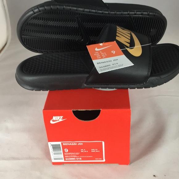 Nike Shoes - Nike Sandels